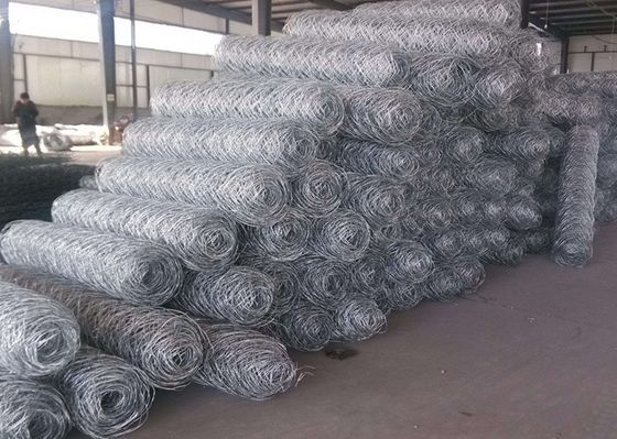 China Professional Galvanized Gabion Wire Mesh Safety for Poultry , 0.5-2.5m Width supplier