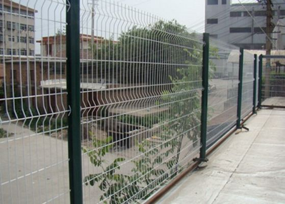 China White Color Triangle Bending Wire Mesh For Garden Fence and Courtyard supplier