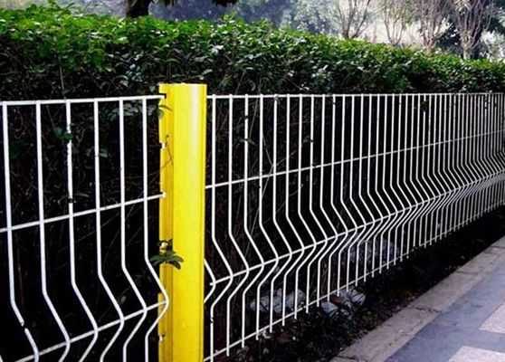 China Security Triangle Bending  Fence / Folded Mesh Fencing For Outdoor / Road Fence supplier