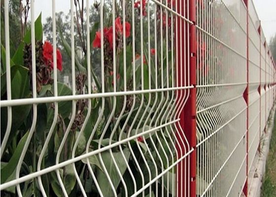 China 3 D Welded Folding Wire Mesh Fence / Bending Garden Security Fencing supplier