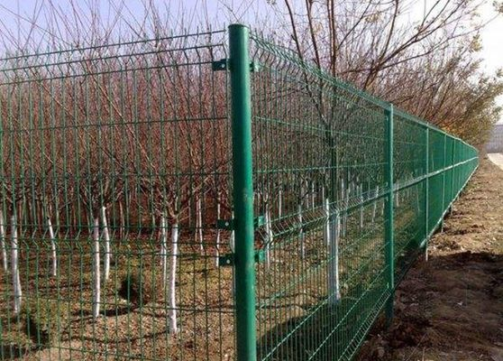 China Multicolor Galvanized Farm Mesh Fencing For Fruit Trees Planting supplier