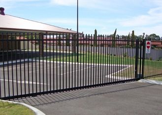 China Residential Automatic Sliding Gates For Driveways Hot Dipped Galvanized Treatment supplier