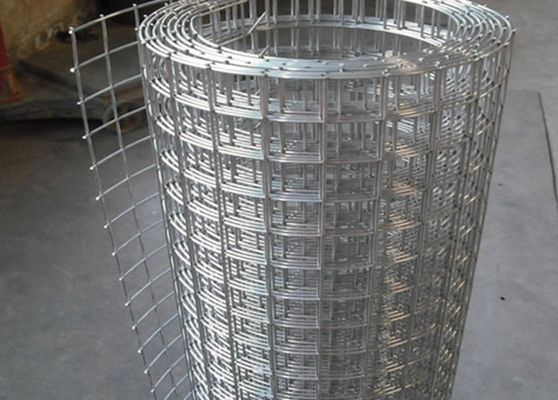 China Hot Dipped Galvanized Welded Wire Mesh Panel Oxidation Resistance supplier
