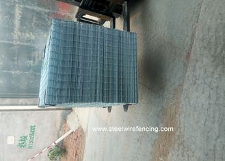 China Electro Welded Galvanised Mesh Fencing Panels Anti - Craking For Buliding supplier