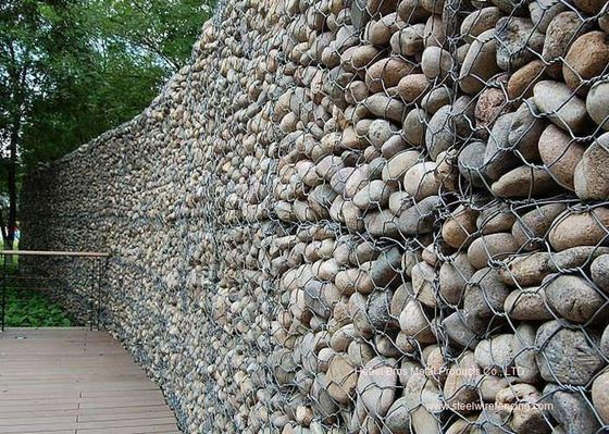 China Hexgonal Gabion Wire Mesh / Galvanized Gabion Retaining Walls / Gabion Basket supplier