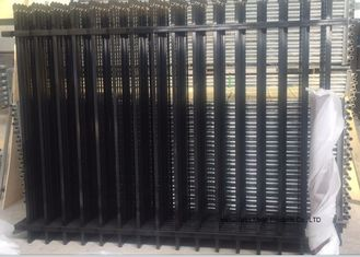 China Commercial Zinc Steel Fence Rails Industrial Steel Pipe Safety Fencing Panels supplier