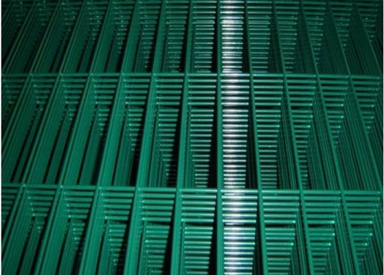 China High Strength Green Metal Welded Wire Mesh Durable With 2.0mm-5.5mm Dia factory