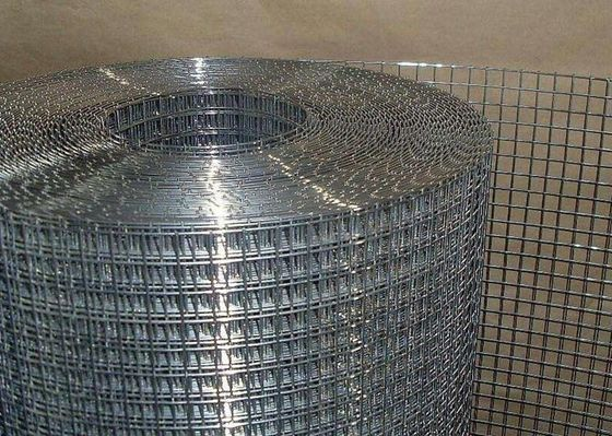 China 1/4 inch Building Material Galvanised Mesh Roll , Heavy Gauge Welded Wire Fence Panels factory
