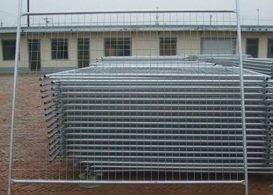 China Portable Security Temporary Construction Fence 5.0mm Dia For Swimming Pool factory