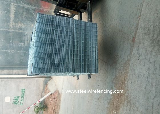 Electro Welded Galvanised Mesh Fencing Panels Anti - Craking For Buliding